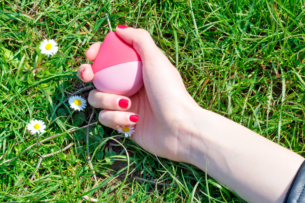 iroha mini sex toy outdoor green grass