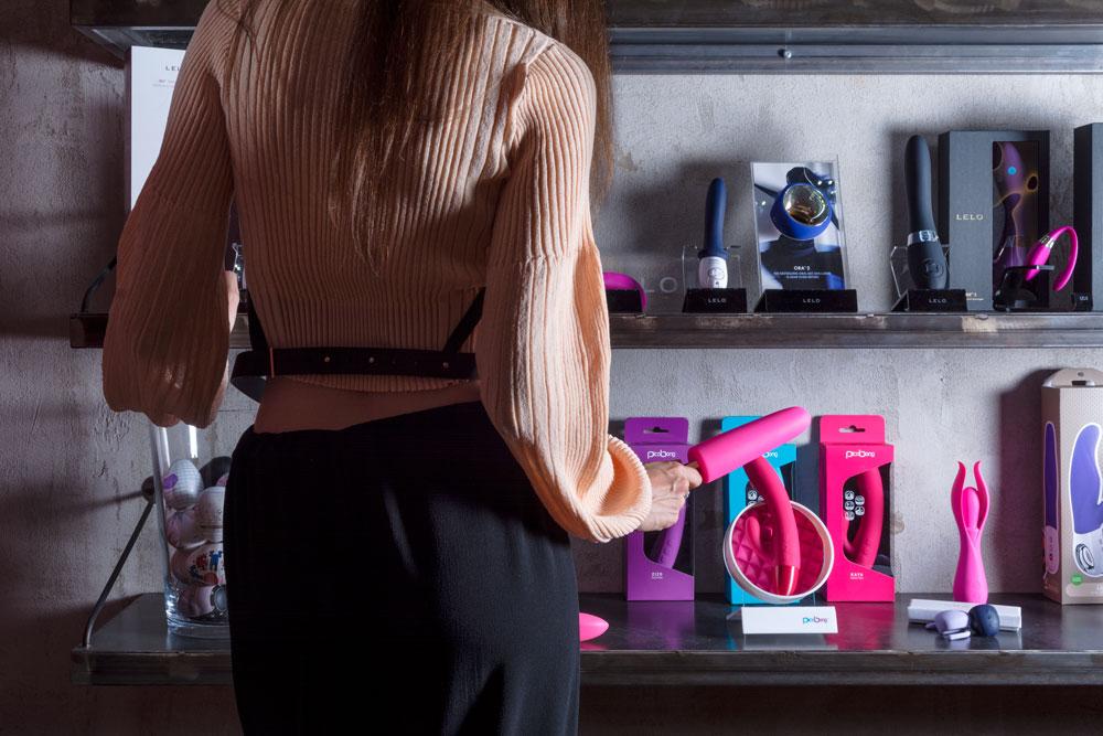 sex toys su mensole Lovever Torino