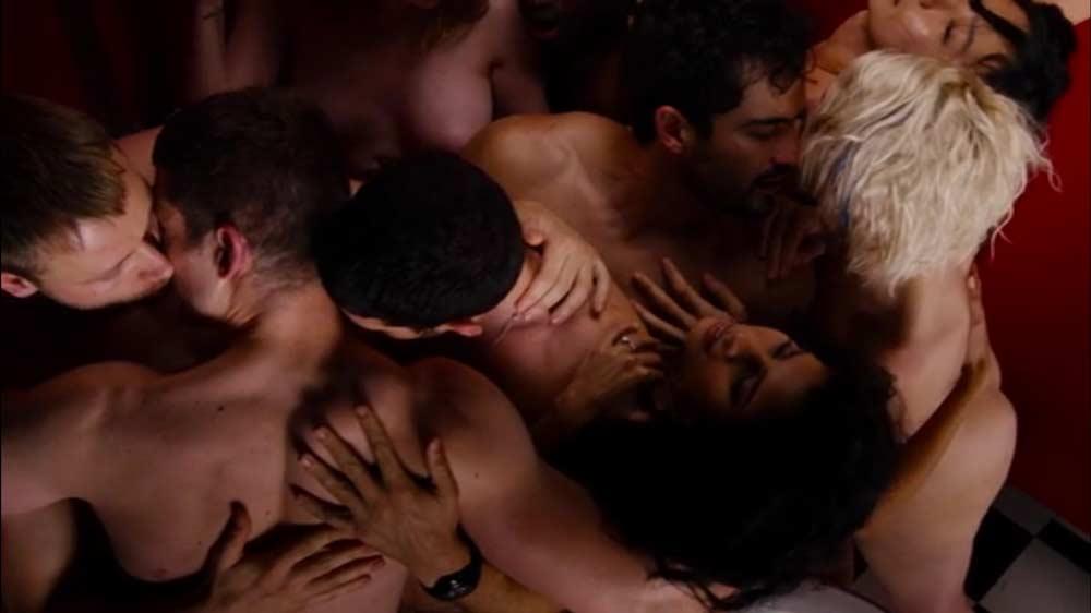 scena dell'orgia in Sense8