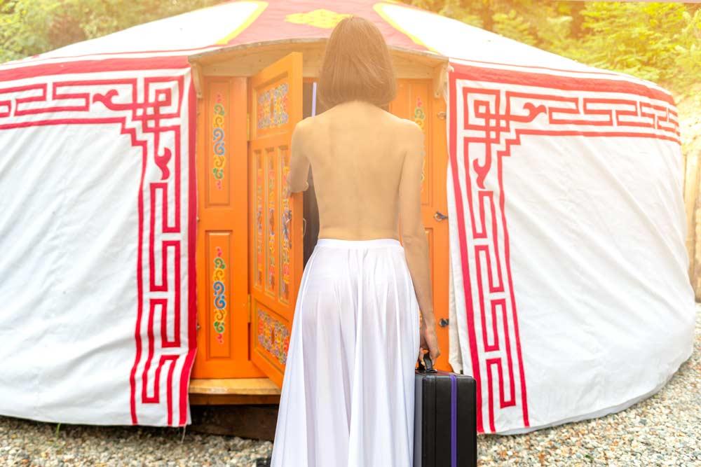 Arrivo nella Yurta con la valigetta di LELO